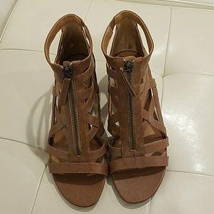Nine West Tan Wedge sandals